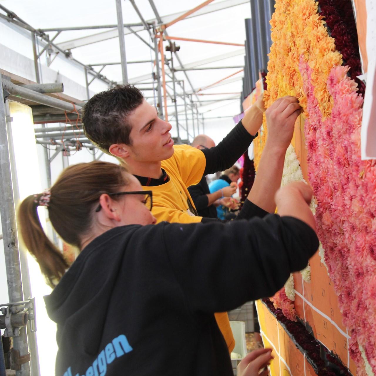 Corso draagt belangrijk bij aan de gemeenschapsvorming, met name bij jongeren