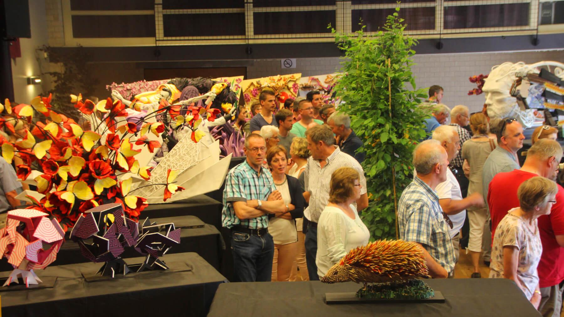 Maquettefeesten Corso tijdens jaarlijkse Aardbeienfeesten